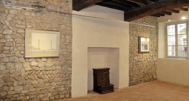 Palazzo Cavezzi, interno